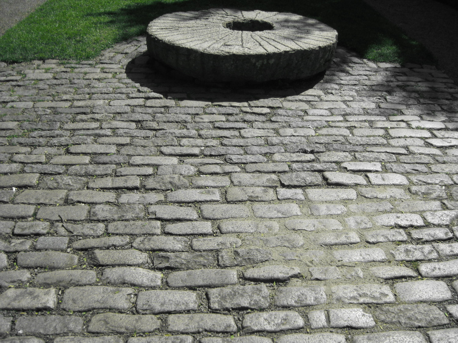 Antique Cobblestones / Granite Sets
